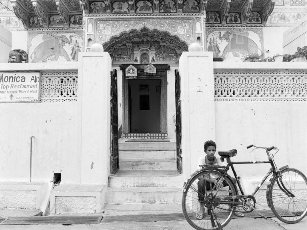 201506_India_MF2_Delta400_Mamiya645_004-Edit